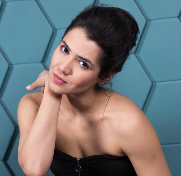 Аделина Голубенко: «Для сияния кожи использую бадягу»